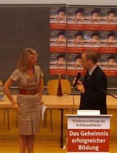 Freifrau zu Guttenberg und Carlos A. Gebauer